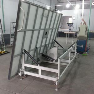 Mesa para corte de vidro basculante